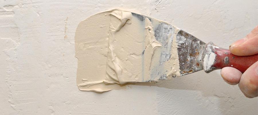 これで模様替えも安心! 壁の穴を補修する方法